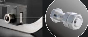 ハードロックナット化によりトルク管理が可能となり、衝撃を吸収するための一定のガタを設けながらゆるみの問題を解消!