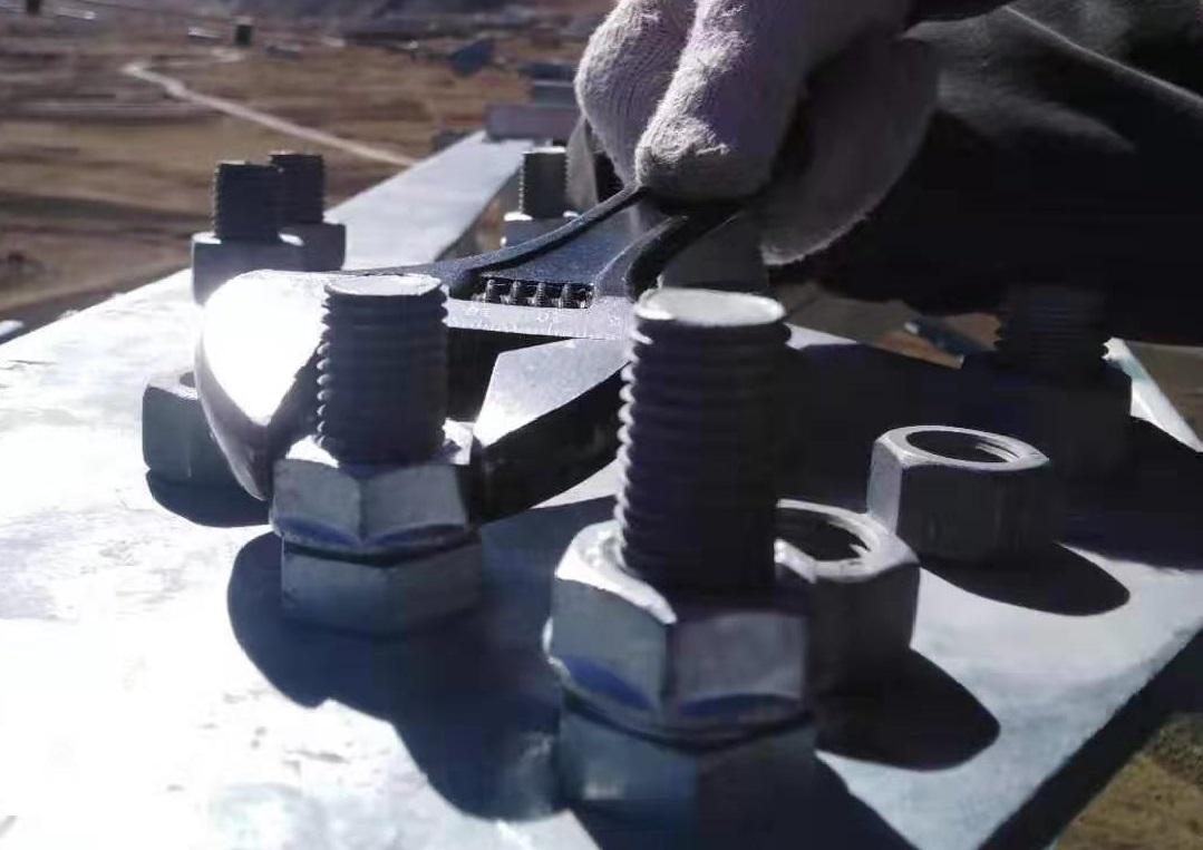 送電鉄塔 ゆるみ箇所(腕金及び塔体のせん断接合部、スペーサー)