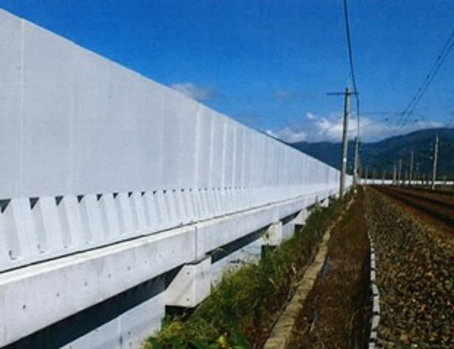 鉄道用防風柵 ゆるみ箇所:防風柵のアンカーボルト締結